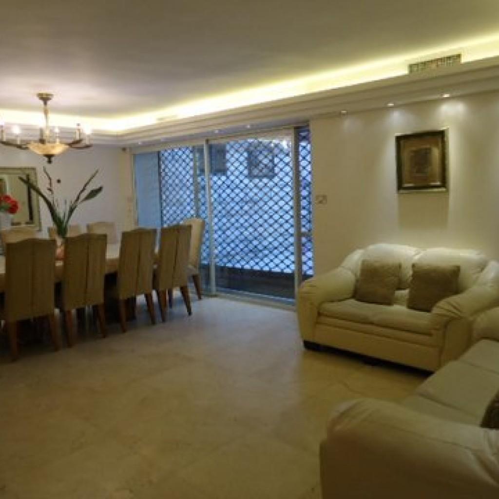 Beautiful 4 bedroom in Arzei Habira