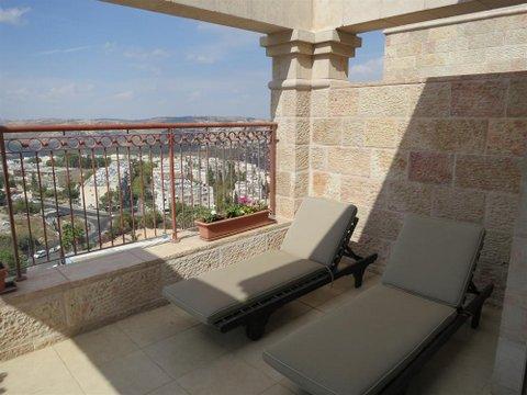 Beautiful duplex penthouse in Yirmiyahu